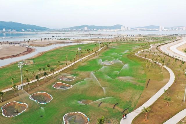 Sân golf Tuần Châu được thiết kế đẹp mắt. Ảnh: Đỗ Phương