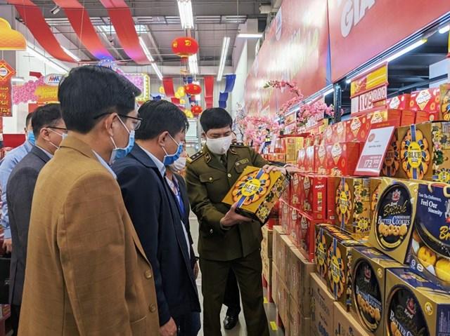 Chủ tịch UBND TP Hải Phòng yêu cầu phải tăng cường giám sát việc chấp hành quy định tại các điểm bán hàng bình ổn thị trường trong dịp Tết.