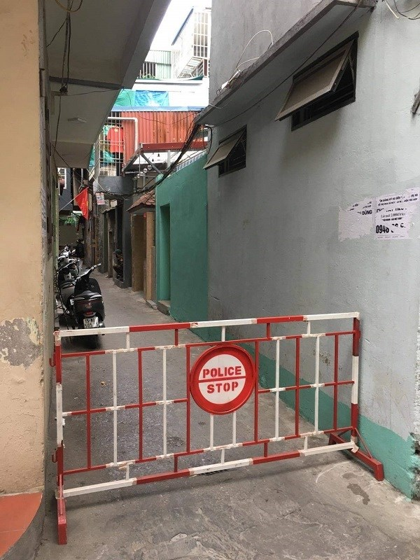 Số 1, lô 112, khu công nhân phường Dư Hàng được phong tỏa ngay sau khi BN phát hiện nhiễm Covid-19.