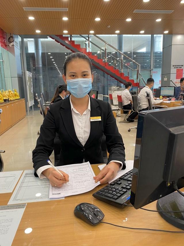 Chị Nguyễn Thị Hải Yến, Điều phối viên tại phòng dịch vụ Công ty TNHH MTV Toyota Quảng Ninh