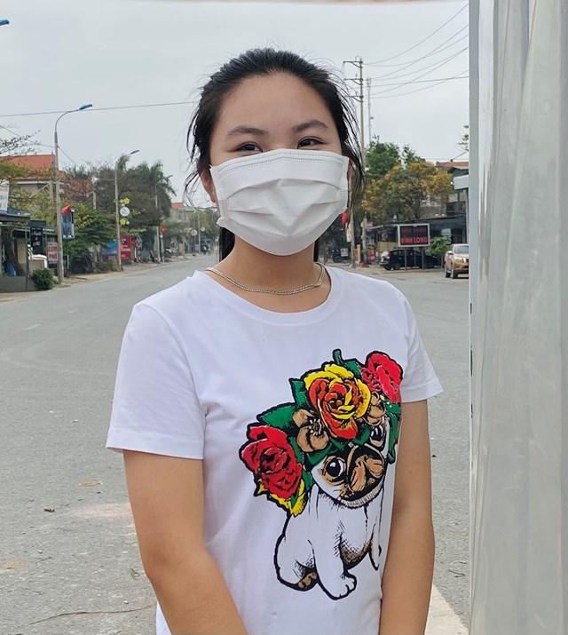 Em Bùi Bích Phương, học sinh lớp 9, Trường THCS Thuỷ An, thị xã Đông Triều