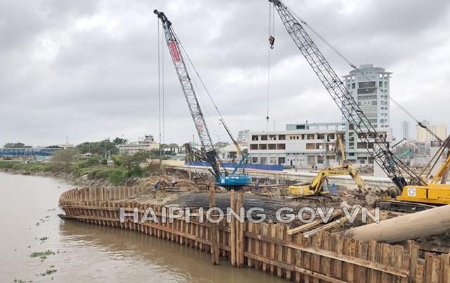 Hải Phòng đang đẩy nhanh tiến độ xây dựng cầu Rào 1, cầu kết nối khu vực nội thành cũ với khu du lịch Đồ Sơn, cao tốc Hải Phòng – Hà Nội.