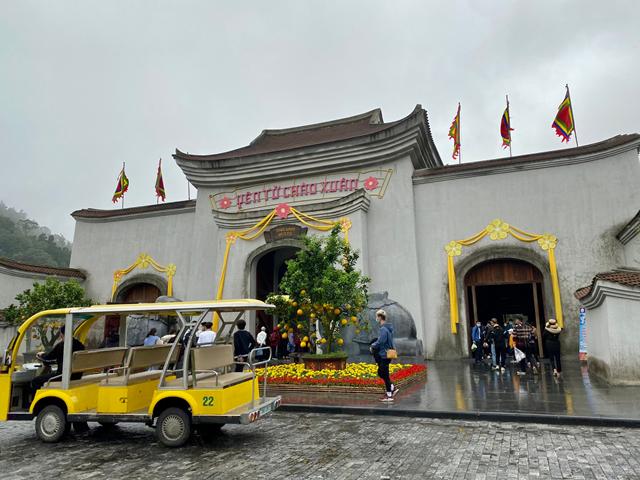 Khu di tích lịch sử danh thắng Yên Tử là nơi thu hút nhiều du khách nhất kể từ khi mở cửa đón khách du lịch nội tỉnh.