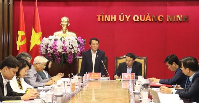 Phó Chủ tịch - Tổng Thư ký UBTƯ MTTQ Việt Nam Hầu A Lềnh phát biểu tại buổi làm việc với Ủy ban Bầu cử thành phố Hạ Long, tỉnh Quảng Ninh.