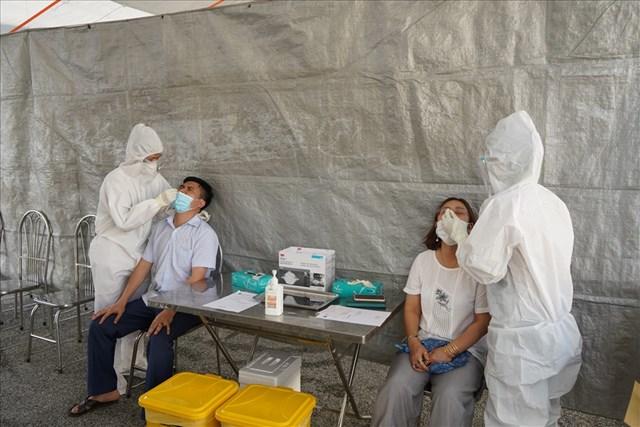 Hải Phòng xét nghiệm nhanh tại các chốt kiểm soát dịch bệnh ra vào thành phố