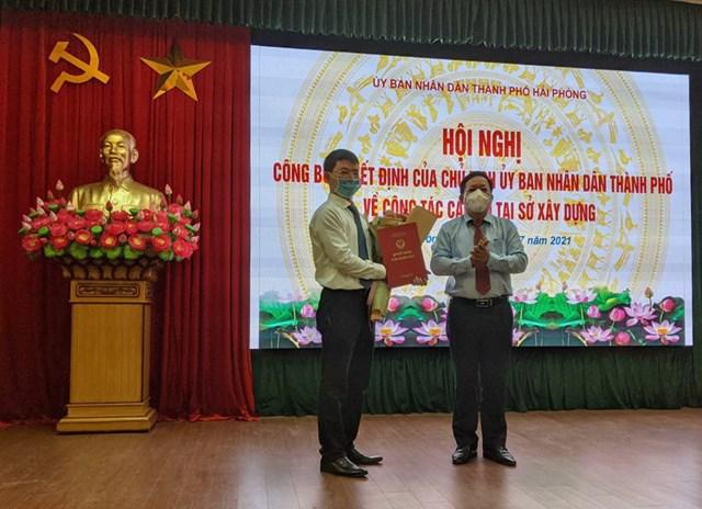 Ông Phạm Trung Huy được trao Quyết định bổ nhiệm làm Phó Giám đốc Sở Xây dựng Hải Phòng.