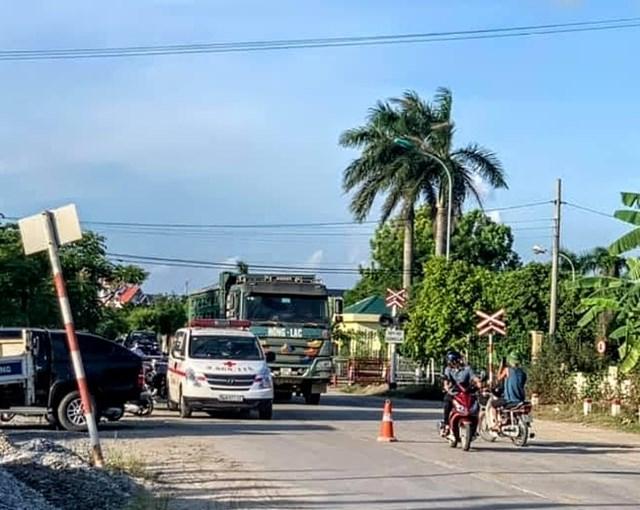 """Vụ tai nạn giao thông giữa xe hổ vồ """"Hồng Lạc"""" với một xe mô tô trên đường tỉnh 194B khiến một người tử vong tại chỗ."""