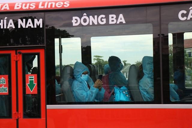 Như vậy, đến nay tỉnh Thừa Thiên - Huế đã tổ chức được 2 đợt đón công dân từ Thành phố Hồ Chí Minh trở về địa phương an toàn, đảm bảo các phương án phòng chống dịch. Dự kiến đợt 3 sẽ tổ chức chuyến máy bay dịch vụ cho khoảng 250 công dân trở về vào ngày 2/8.