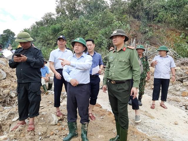 Ông Phan Ngọc Thọ tham gia chỉ đạo công tác tìm kiếm các nạn nhân mất tích tại Thủy điện Rào Trăng 3.