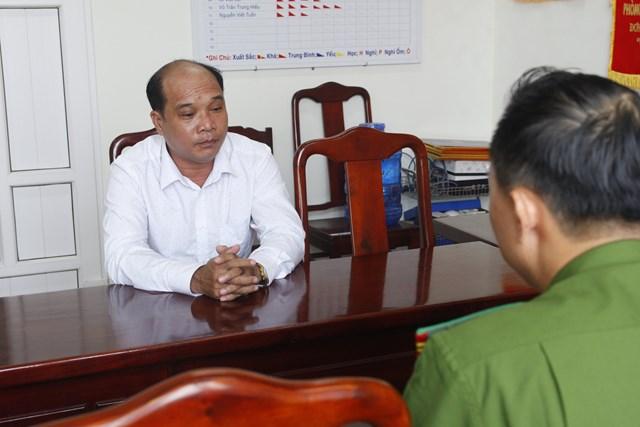 Ông Phan Văn Chinh tại cơ quan công an.
