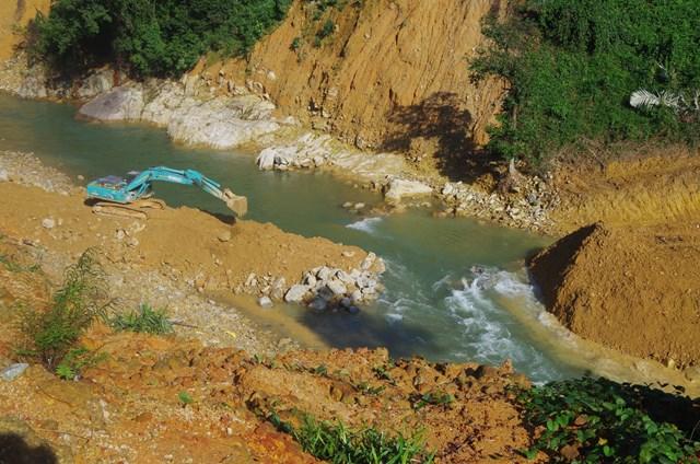 Ngày mai (22/11) các lực lượng sẽ chuyển sang giai đoạn tìm kiếm các nạn nhân mất tích dưới lòng suối.