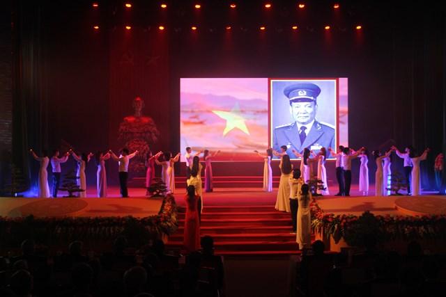 Không gian trang trọng tại Lễ kỷ niệm 100 năm Ngày sinh nguyên Chủ tịch nước, Đại tướng Lê Đức Anh.