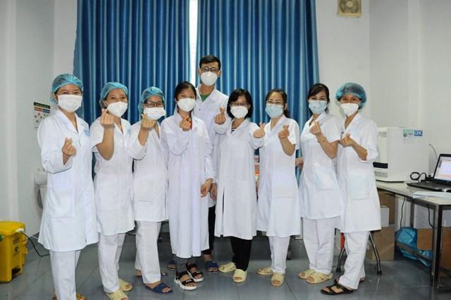 Các nhân viên y tế tích cực trong công tác phòng, chống dịch bệnh. Ảnh minh họa.