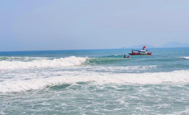 Khu vực nơi xảy ra vụ em C. tắm biển đuối nước mất tích.
