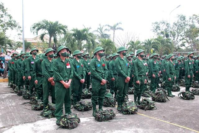 Các tân binh huyện Núi Thành sẵn sàng lên đường nhập ngũ.