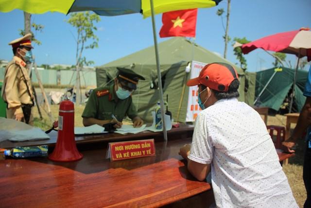 Một chốt kiểm tra phòng, chống dịch Covid-19 tại vùng biên giới tỉnh Quảng Nam.