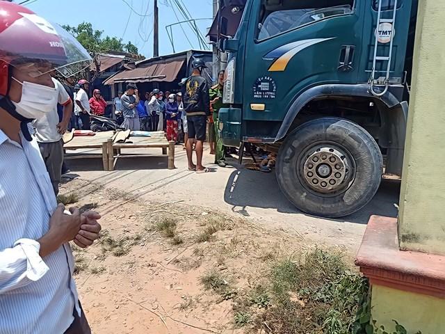 Hiện trường nơi xảy ra vụ tai nạn khiến 2 cháu nhỏ tử vong.