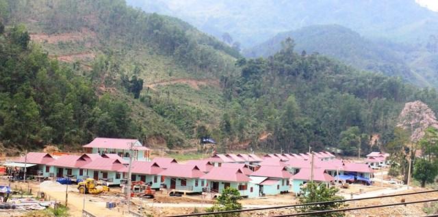Một góc khu dân cư mới của bà con vùng sạt lở Trà Leng, huyện Nam Trà My.