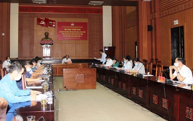 Hội nghị triển khai vận động ủng hộ nhu yếu phẩm giúp đỡ nhân dânTPHCM.