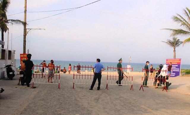 TP Tam Kỳ ngừng hoạt động các bãi tắm biển.
