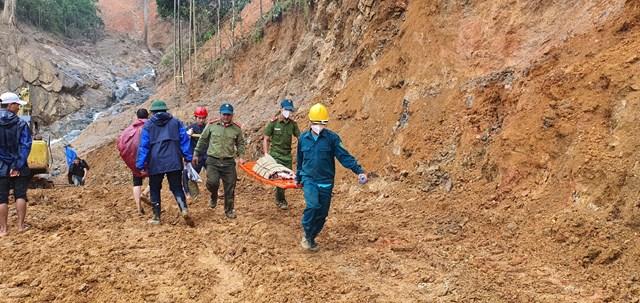 Lực lượng chức năng đang tổ chức tìm kiếm nạn nhân mất tích.