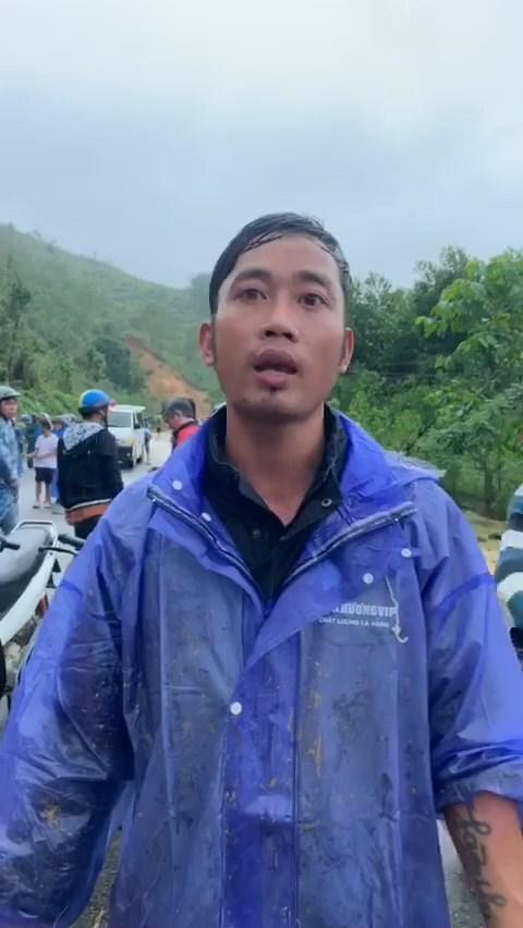 Anh Lê Đình Minh kể lại vụ sạt lở đất đá.