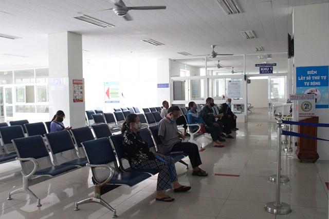 Phòng chờ khám của BVĐKTƯ Quảng Nam.