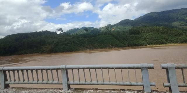 Một đoạn sông ở huyện Bắc Trà My gần nơi phát hiện xác chết.