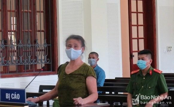 Bị cáo Hương tại phiên tòa xét xử. Ảnh: Báo Nghệ An