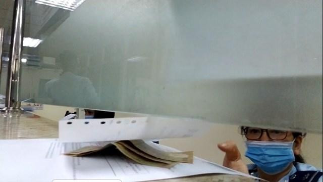 'Những 'tờ xanh' kẹp trong hồ sơ ở Hải quan Hà Nội: Tổng cục Hải quan chỉ đạo làm rõ