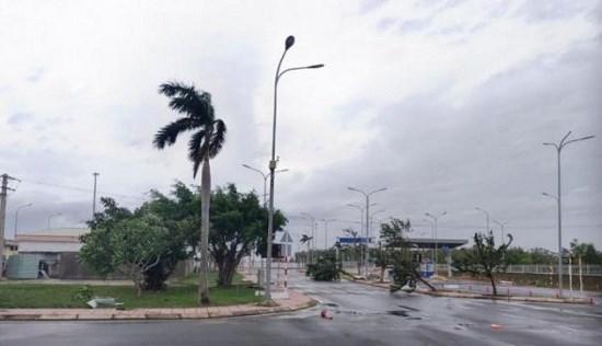 Sân bay Chu Lai bị ảnh hưởng nặng nề của bão số 9. Ảnh: Báo Giao thông.