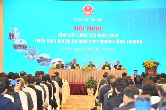 Thủ tướng Chính phủ tham dự và chỉ đạo Hội nghị.