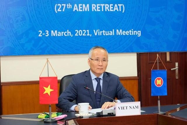 Thứ trưởng Bộ Công Thương Trần Quốc Khánh dẫn đầu đoàn Việt Nam.