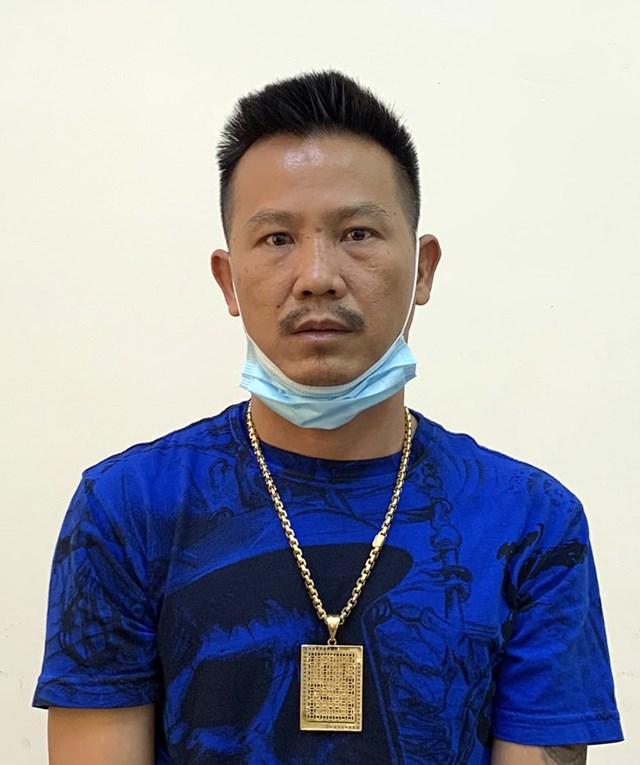 Đối tượng Nguyễn Thanh Bình (tên gọi khác Bình Sâm) bị bắt khi đang lẩn trốn ở Cà Mau