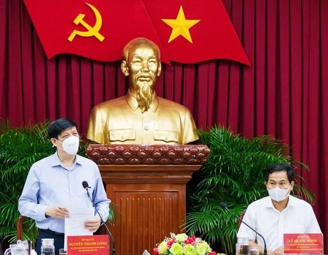Hình ảnh tại cuộc họp giữa Bộ trưởng Bộ Y tế tại Cần Thơ.
