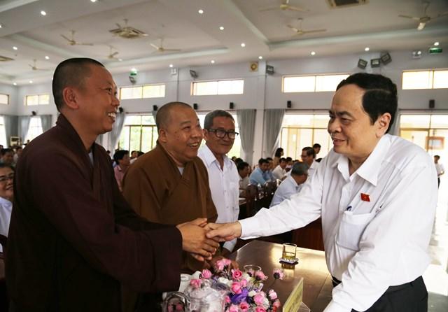 Chủ tịch Trần Thanh Mẫn gặp gỡ cử tri.