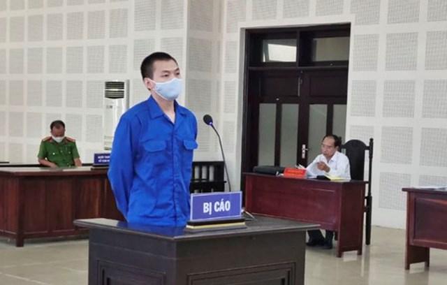 Bị cáo Xiao Qui Ping trả lời Hội đồng xét xử tại phiên tòa sáng 30/6.