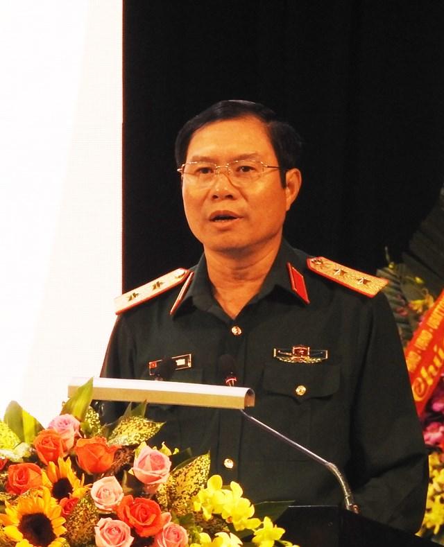 Ủy viên Trung ương Đảng, Ủy viên Quân ủy Trung ương, Thứ trưởng Bộ Quốc phòng, Trung tướng Nguyễn Tân Cương phát biểu khai mạc Hội thảo. Ảnh: Thanh Tùng.