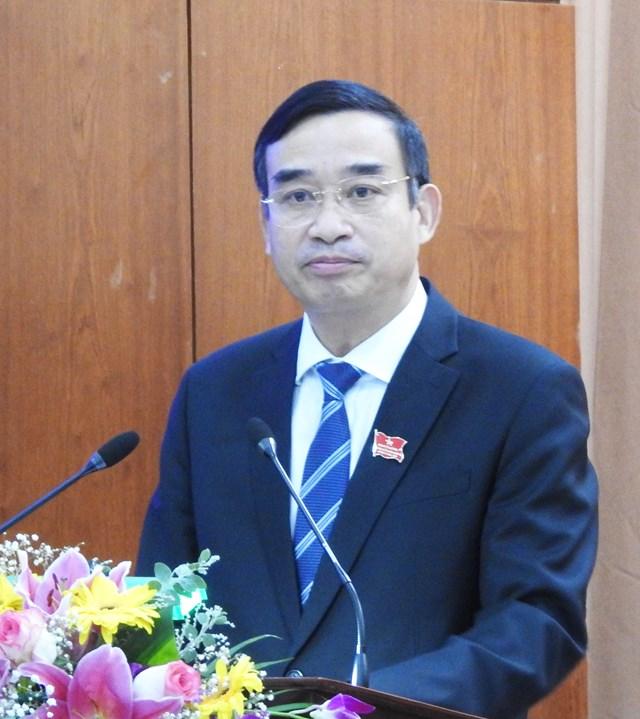 Ông Lê Trung Chinh, phát biểu nhận nhiệm vụ sau khi được HĐND TP Đà Nẵng bầu làm Chủ tịch UBND TP (nhiệm kỳ 2016 - 2021) chiều 9/12. Ảnh Thanh Tùng.