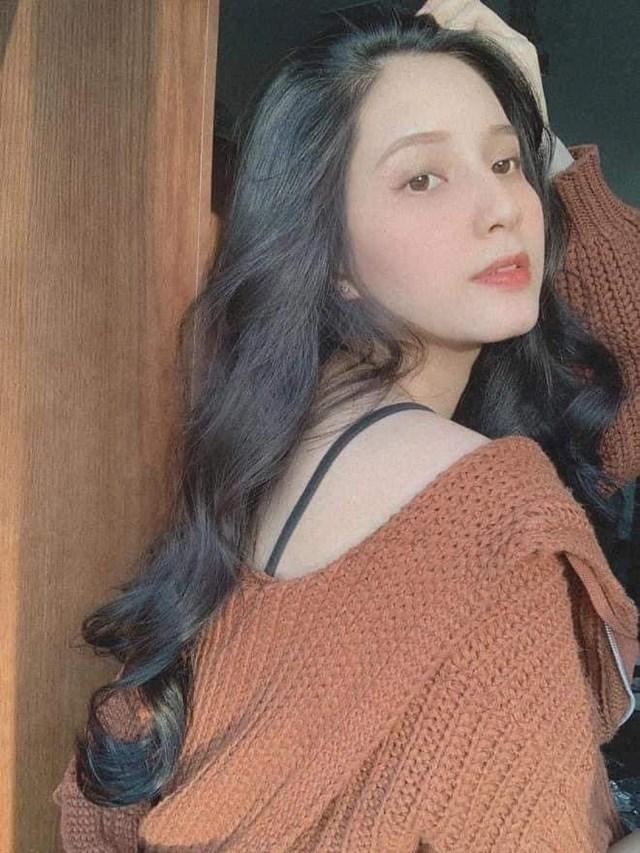 Trước khi nổi lên như một hiện tượng, Thiên An từng được biết đến với vai trò là mẫu ảnh, cô tham gia nhiều cuộc thi sắc đẹp dành cho tuổi teen. Tuy nhiên, thành tích đạt được không cao.