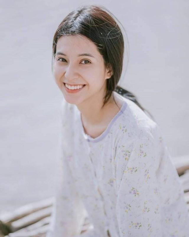 Nàng hot girl từng là sinh viên củaTrường đại họcCông nghệTP HCM - Hutech ngành ngôn ngữ Anh.