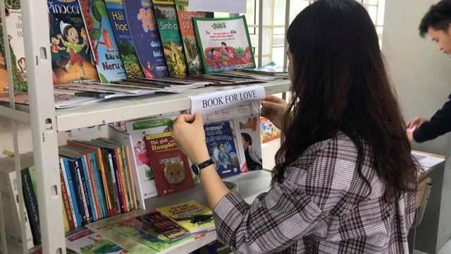 Kiều Trang mong rằng những cuốn sách trong dự án của mình sẽ hình thành thói quen đọc sách tới các em nhỏ, góp phần xây dựng và xây dựng văn hóa đọc. Ảnh: NVCC.