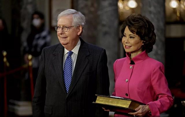 Lễ Tuyên thệ nhậm chức của các thành viên của Quốc hội lần thứ 117 tại Tòa nhà Quốc hội Mỹ. Ảnh: Reuters.