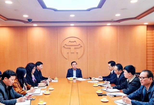 Phó Chủ tịch UBND thành phố Hà Nội Chử Xuân Dũng phát biểu chỉ đạo tại cuộc họp.
