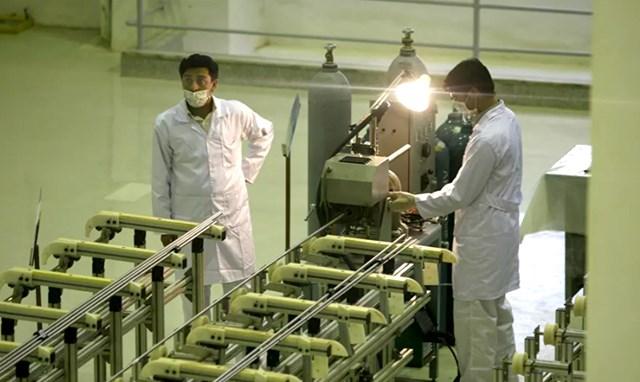 Một cơ sở làm giàu uranium của Iran. Ảnh: AP.