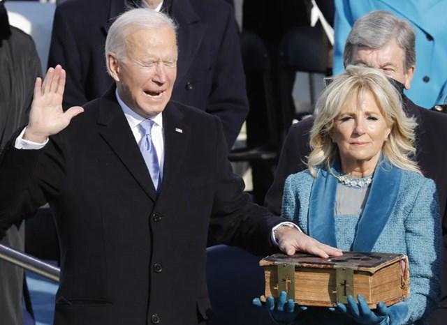 Tổng thống Joe Biden và Đệ nhất phu nhân Jill trong lễ tuyên thệ nhậm chức ở Washington, DC, ngày 20/1/2021.