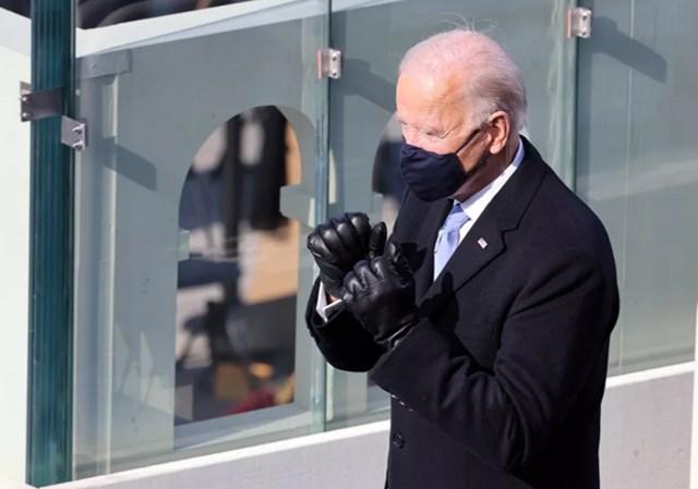 Tổng thống Joe Biden làm biểu tượng quyết tâm trong Lễ nhậm chức.