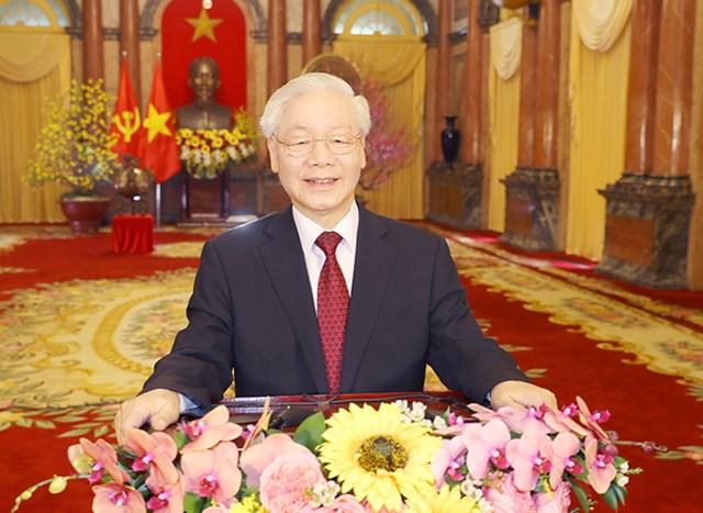 Tổng Bí thư, Chủ tịch nước Nguyễn Phú Trọng chúc tết đồng bào, đồng chí và chiến sĩ cả nước, cộng đồng người Việt Nam ở nước ngoài. Ảnh: TTXVN.