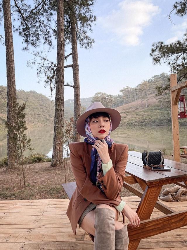 """Tóc Tiên siêu quyến rũ trong shot hình tại Đà Lạt: """"Cái lạnh 13 độ xê không cản nổi bước chân kẻ mơ màng""""."""