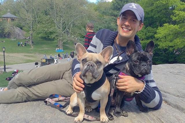 Ryan và 2 chú chócủa Lady Gaga, Koji (trái) và Miss Asia.